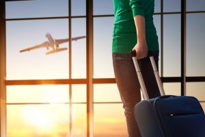 4 Ways to Stay Healthy on Long Flights